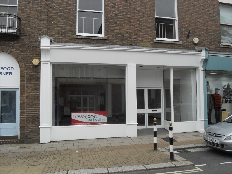A prime commercial unit over 2/3 floors, within High Street