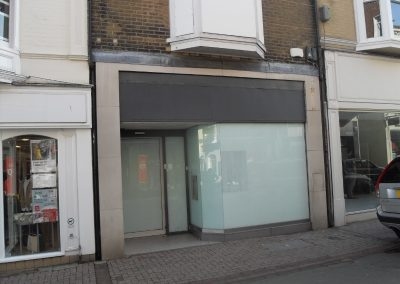 Prime-located commercial unit, suitable for office or retail