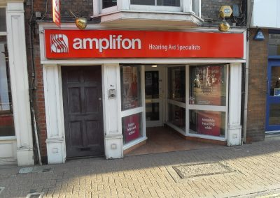 Attractive commercial unit, well-situated on main High Street