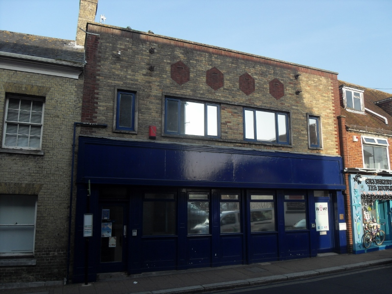 Well-presented and extensive first floor offices, available to lease.