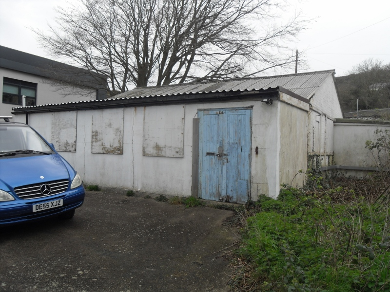 A detached workshop/storage facility, available now on a new lease.