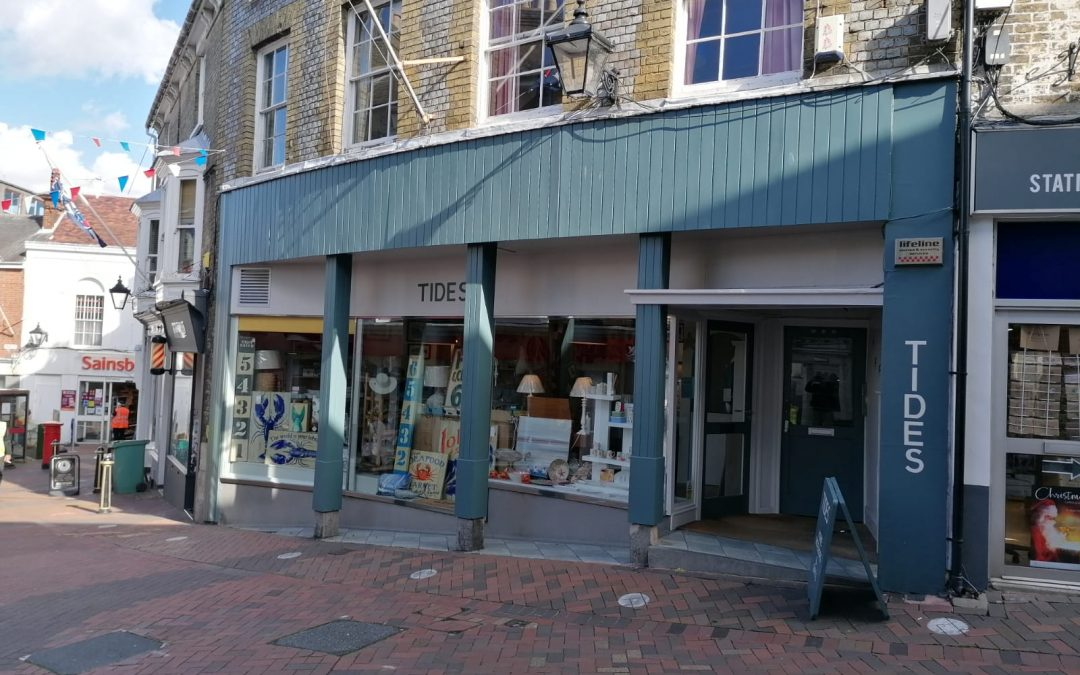 A prominent lock-up shop, well-located in Cowes Town Centre – available to lease, due to current tenant's relocation plans