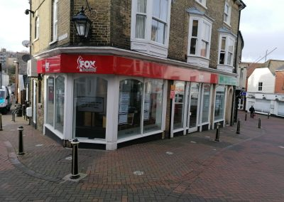 Available to lease only due to relocation is this well-located and prominent unit in the heart of Cowes.