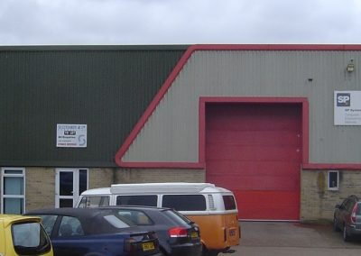 Available from August 2021 on a new lease (due to relocation) is this excellently situated production/warehouse facility