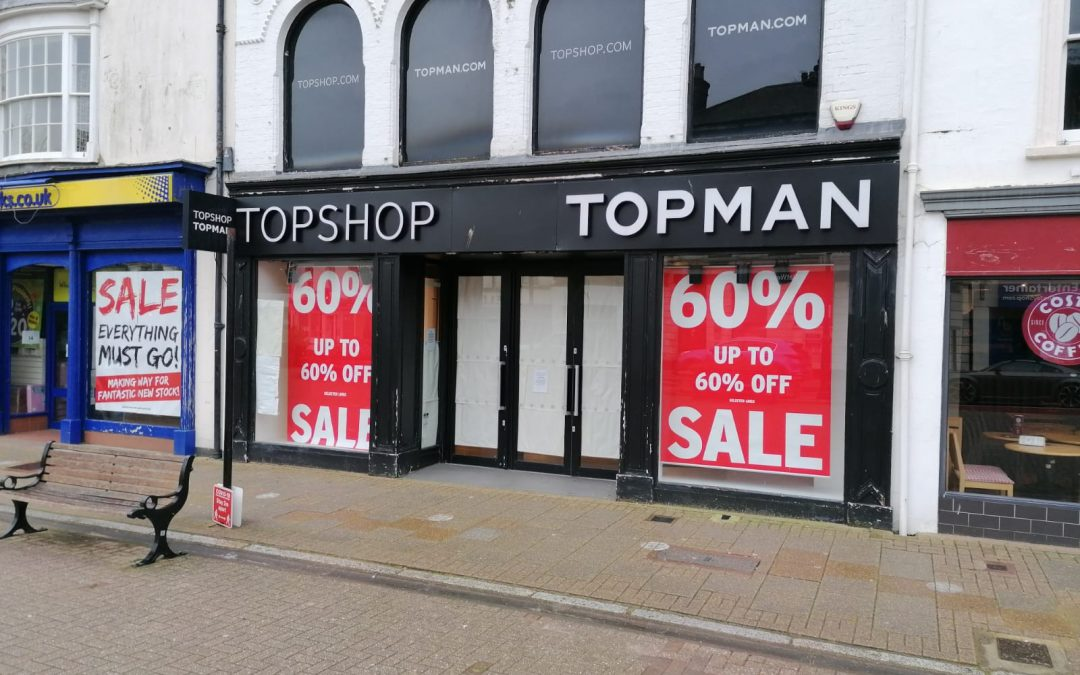 Central retail premises, prime-located in St. James Square – available on a new lease