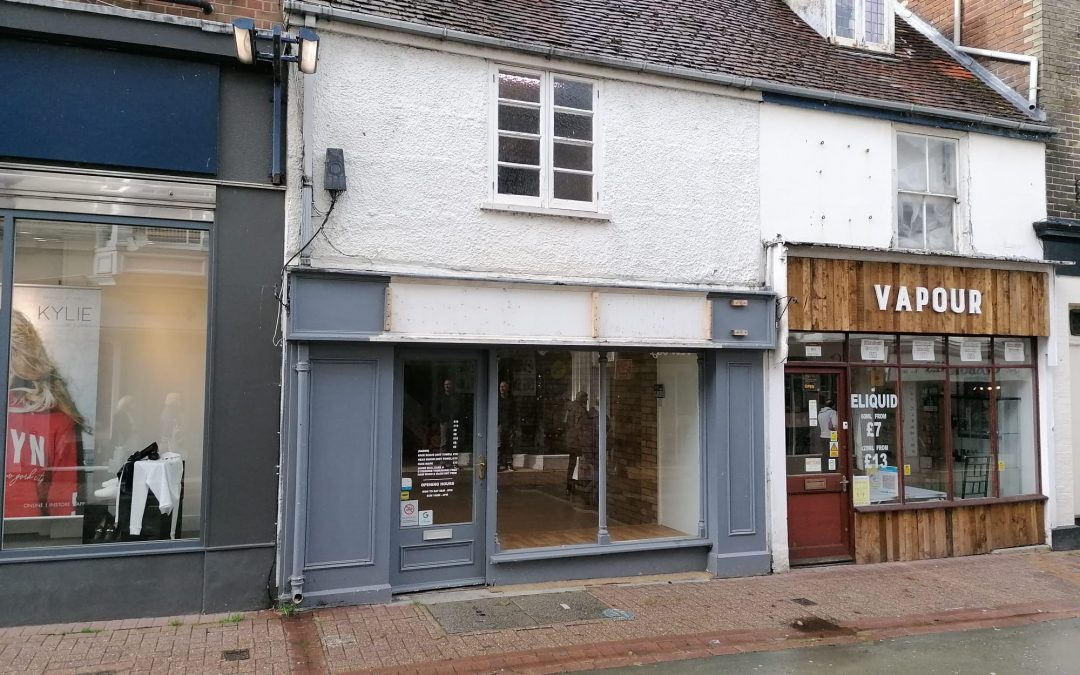 A well-located and presented commercial unit in the heart of Ryde High Street – available now on a new lease.